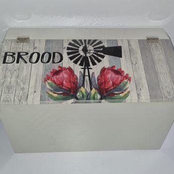Dark Protea Breadbin Afr